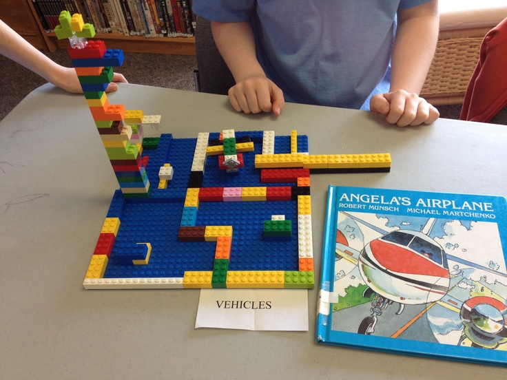 Blocks on Break: Vehicles: Angela's Airplane: Lego Airport