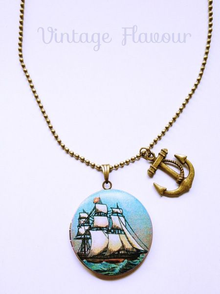 Kette Foto Medaillon Segelboot ♥ Anker ♥ Vintage von Vintage Flavour ♥  auf DaWanda.com