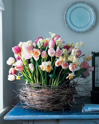 I wanna do this for Spring, love this idea and love the nest.