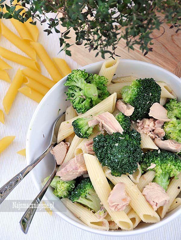 Makaron z tuńczykiem i brokułem