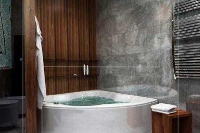 Угловая ванна в санузле от студии Pugach Design.