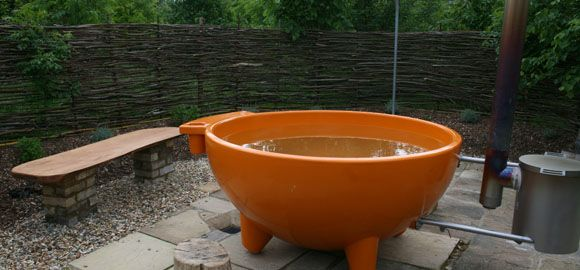 Glamping hot tub close up, Coppice Woodland, Guilden Gate