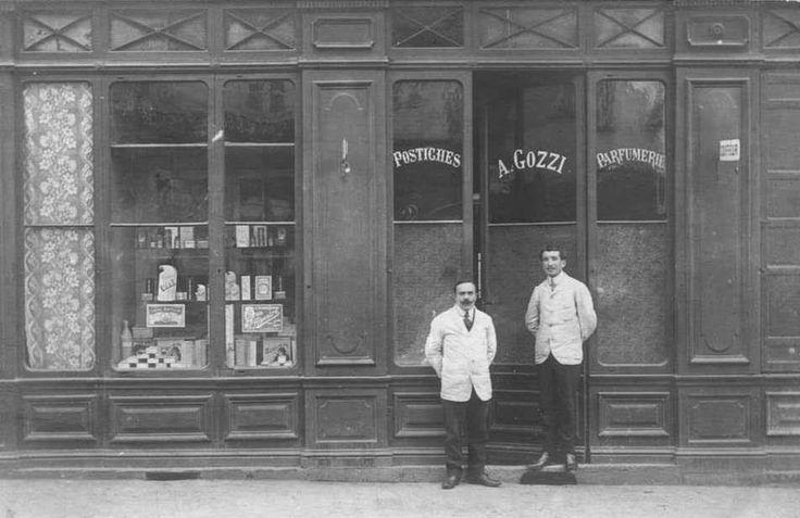 Boulevard Paoli (parfumerie Gozzi )