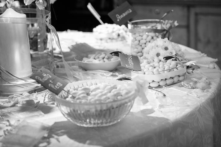 buffet dei confetti durante il matrimonio di Anna & Jean all'Hotel Tevini