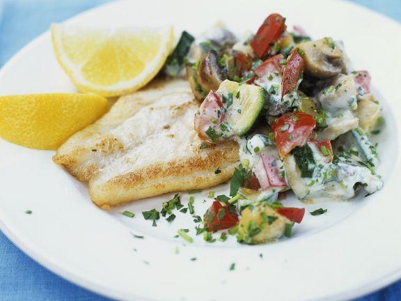 Gebratener Viktoriabarsch mit Gemüse ist ein Rezept mit frischen Zutaten aus der Kategorie Fisch. Probieren Sie dieses und weitere Rezepte von EAT SMARTER!