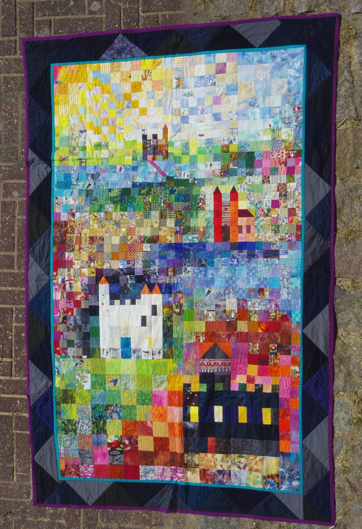 Castles. Karin Emborg Gjersøe, 2004. Handpieced and Machine quilted.