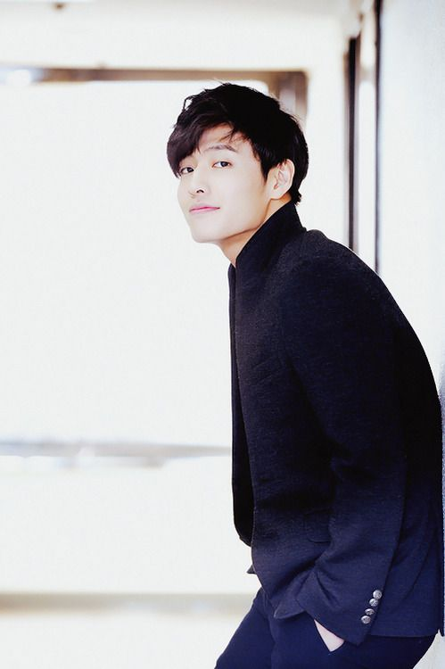 Kang Ha Neul ♥ Real Name : Kim Ha Neul ♥ Birthday : February 21,1990 ♥ Birthplace : Busan, South Korea ♥ Height : 182 cm ♥ Occupation : Actor.