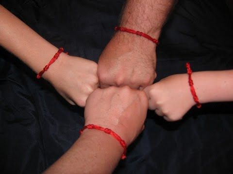 Красная нить на запястье, что означает и как завязать. Рекомендуем посетить канал «Анонсы Сериалов и Кино» http://www.youtube.com/user/tatyananik777/featured