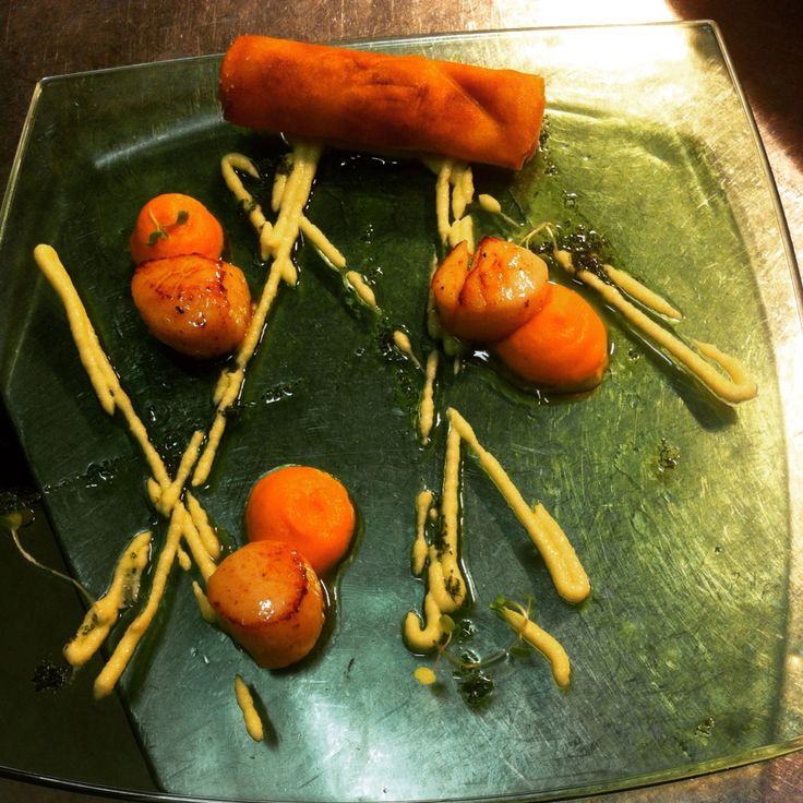 Grilled Scallop w/ carrot and fennel