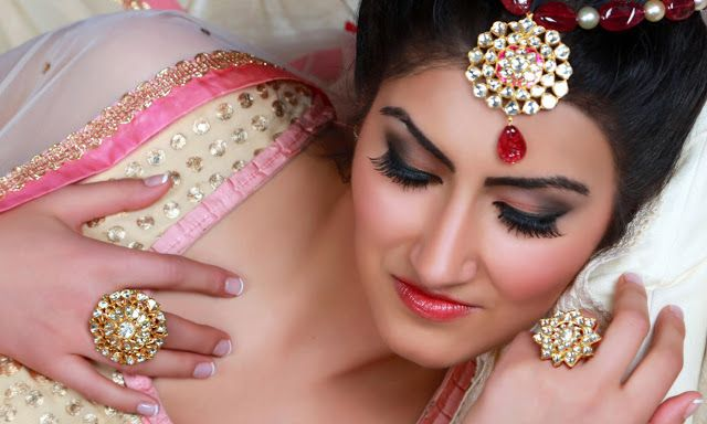 Top Bridal Jewelries That Let You Shine Confidently On Your D-Day