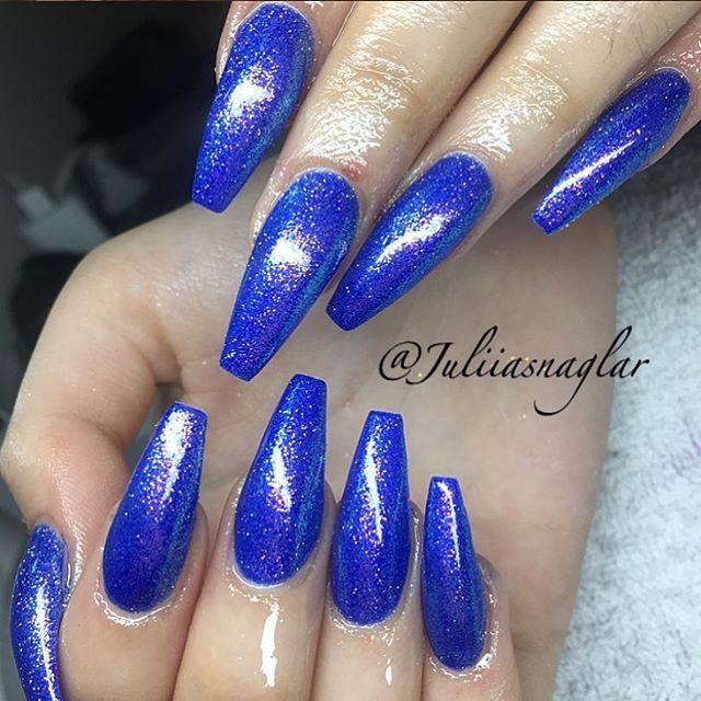 Dagens blå naglar med mermaid  ... #nail#nails#nailart#nailfollowers#nailinsta#instanails#instafollow#instafashion#instafollowers#instagirls#gel#stylish#essie#gelart#nailaddict#gelnails#follow#fashion#followers#fashioninsta#fashionnails#sculpture#woman#sparkle#salongnicehair#huda#hudabeauty