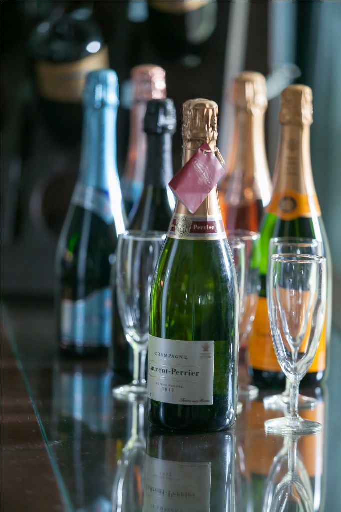 #SparklingWine is a great choice at Le Bar to crown up your day. #Budapesthotel #CorinthiaExperience
