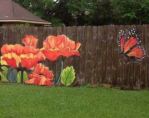 Nice way to spruce up an old fence