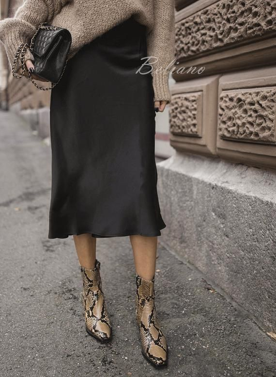 Silk skirt midi long fall look black a-line skirt outfit Silk slip bias black wear street style looks Silk fall trends long women skirt
