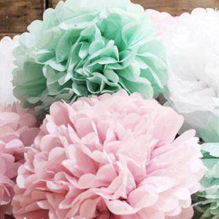 Mint and pink paper pompoms pompons Mintgrøn og lyserød, papir pompomer / pomponer