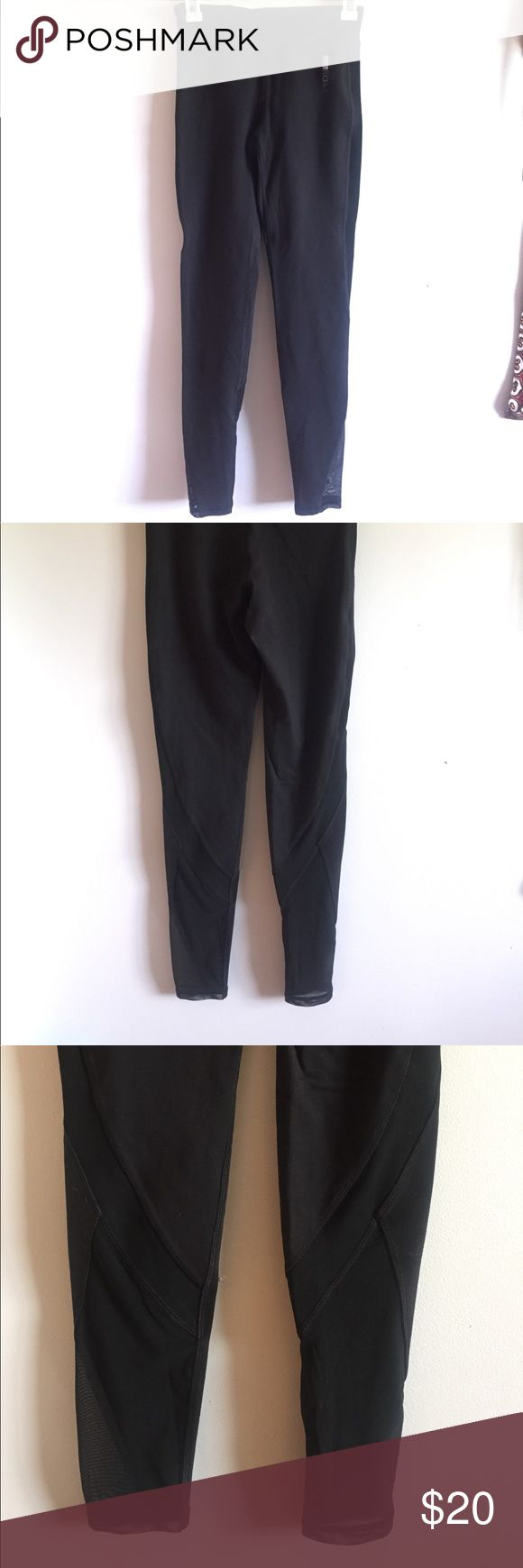 Mesh roxy leggins All black comfortable Original roxy leggins. All main tags have been removed. Roxy Pants Leggings