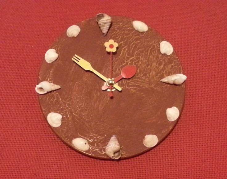 Zooid S: Clock with seashells (small)