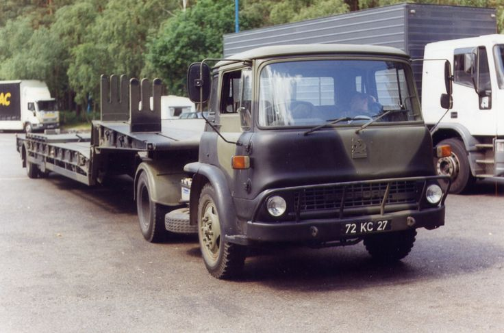 British Army Bedford TK 4x2 tractor LET.
