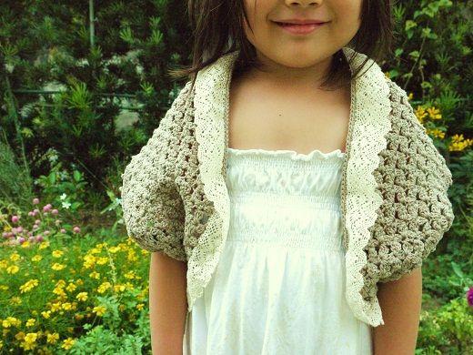 「子供用ボレロ(110cm~120cm)」ひと編みで編めるボレロです。(襟、袖ぐりのふち編みは除く)[材料]使用針4~5号の毛糸/トーションレース/かぎ針/かぎ針
