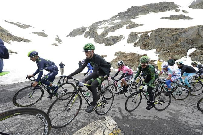 Riders make their way up the Gavia - #Stage16 #GirodItalia #Giro2014 #Gavia #Stelvio #Bormio #ValMartello #RobertBettini #Sirotti