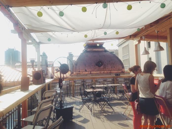Pura Vida Sky Bar - un rooftop bar cool din Centrul Vechi, unde nu ...