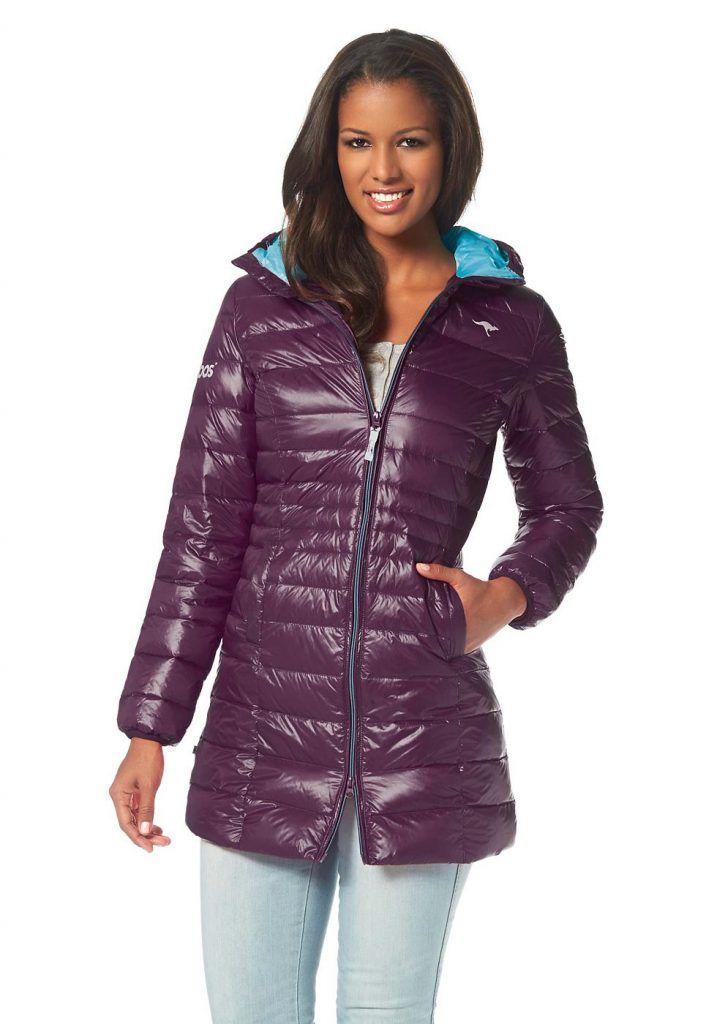 #KangaROOS #Damen #KangaROOS #Daunenmantel mit #kontrastfarbenem #Futter #lila - Endlich gefunden: den perfekten Mantel! Dieser großartige Daunen-Parka von KangaROOS in vielen Farben wird zu unserem zuverlässigsten Begleiter in der kalten Jahreszeit. Wer ihn trägt, ist bestens gerüstet - dank Zwei-Wege-Reißverschluss, hochschließbarem Kragen, kontrastfarbenem, wärmendem Futter und großer Kapuze. Mit praktischen Einschubtaschen und Logo-Print auf der Brust und auf dem Ärmel. Aus hochwertigem…