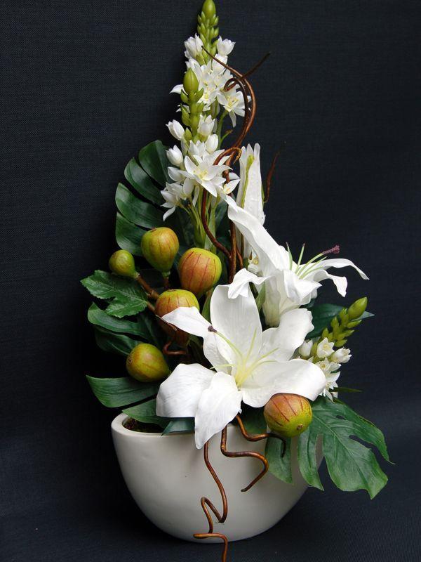 White Oriental, Chincherinchee & Fig - Small Ceramic Boat Bowl