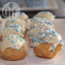Kraamfeest idee: soesjes met muisjes @ allrecipes.nl