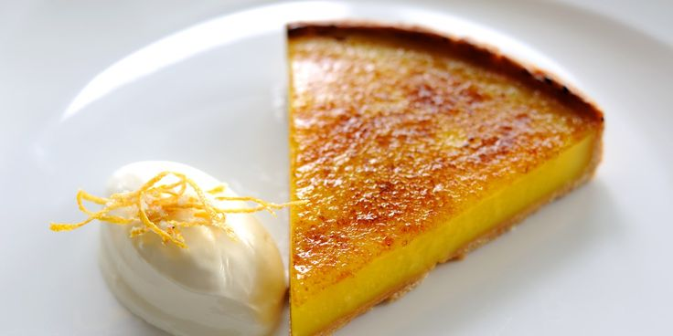 This is the quintessential lemon tart recipe from top chef Robert Thompson, served simply with a quenelle of crème fraiche - a classic yet brilliant dish