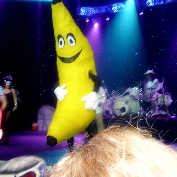 The #banana helping out Illegal Substance live.   @illegalsubstanc #illegalsubstance