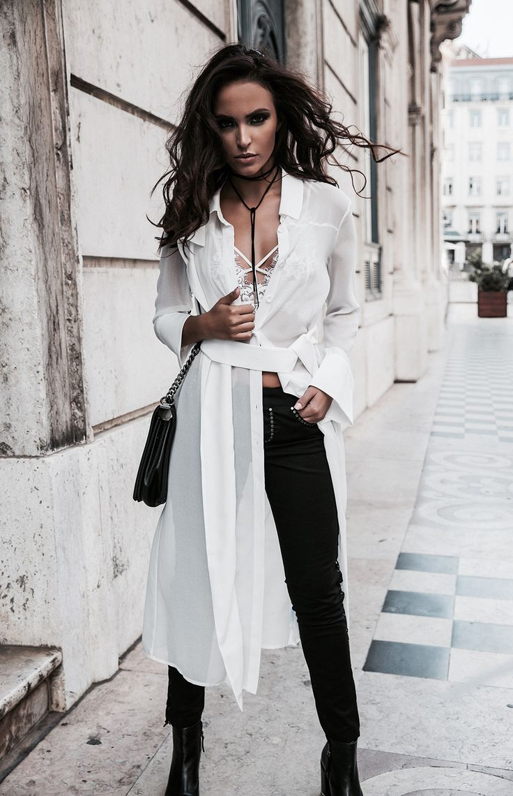 A little polished, a little undone, a lot of style. Discover Melie's way to style the season's most exciting trends. Featuring Carolina Minchetti. Featured Brands: For Love and Lemons, AQAQ, Alice McCall, Capulet, Schutz, C/Meo Collective
