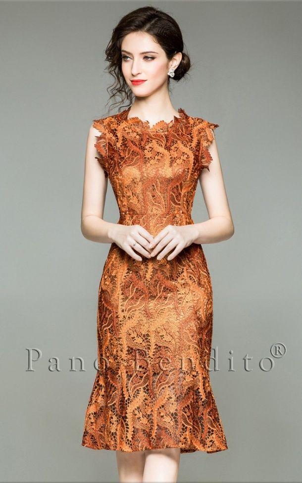 6eadc7202 Vestido médio com bordado floral, confortável, forro de cetim, alta costura  e acinturado
