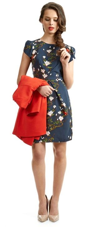 A classic shift dress in this stand out print will lift any wardrobe, push the pantone and add a pop of colour with this classic and easy-to- wear coat..Call us on 095 21282 for free postage!