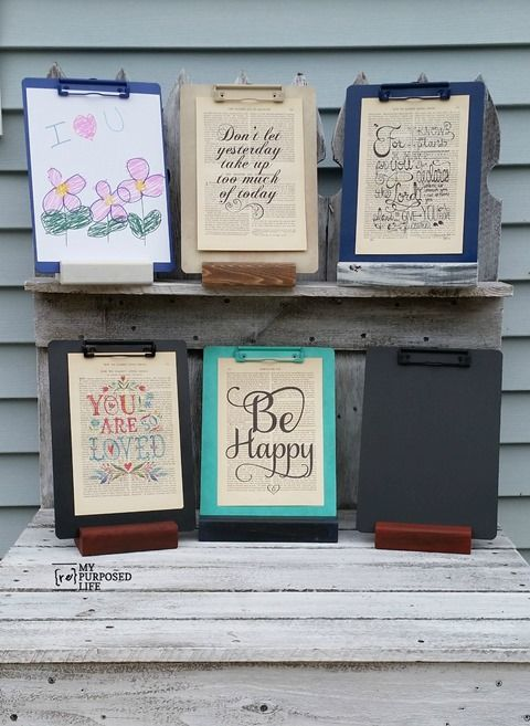 How to make a clipboard stand for any room in the house. Use it in the kitchen for recipes or notes, in the living room or hall for pictures, kids artwork and more! Paint your clipboard with chalkboard paint-even better!