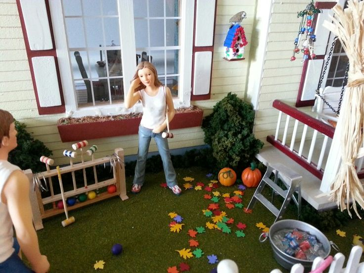 The games go on well into autumn at the dollhouse.