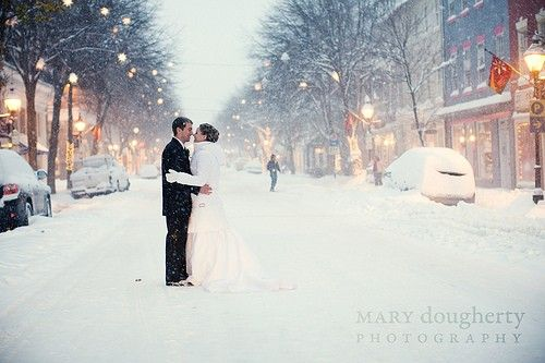 "Beautiful winter wedding--conjures up images of ""Merry Christmas, Bedford Falls!"" :) <3"