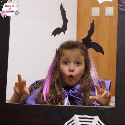 Cabine de fotos. Feita com material reciclado para decorar nas festas do Dia das Bruxas (Halloween). Decoração para crianças.   #manualidades #diy #artesanato #handcraft #halloween #diadasbruxas