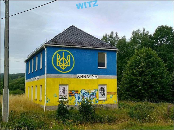 Même moi je me suis toujours demandé pourquoi cette maison ukrainienne était au milieu de la …