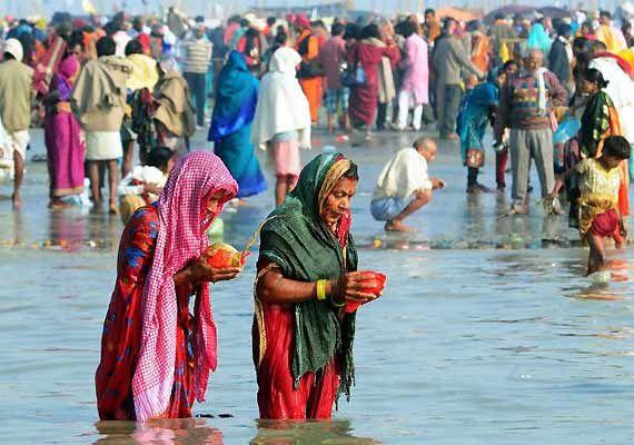 MAKAR SANKRANTI - The Festival Of Harvest In Uttar Pradesh, Makar Sankranti is called 'Khichiri'. Taking a dip in the holy rivers on this day is regarded as most auspicious. A big one-month long 'Magha-Mela' fair begins at Prayag (Allahabad) on this occasion of Makar Sankranti.