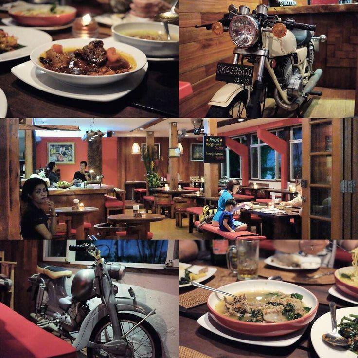 #Bali > Sudah lama tidak makan di @WarungPregina #Sanur. Senang malam ini bisa kembali menikmati menu2 resep Bali disini seperti Siap Mentok-tok Bebek Kuah Babi Kecap dll.