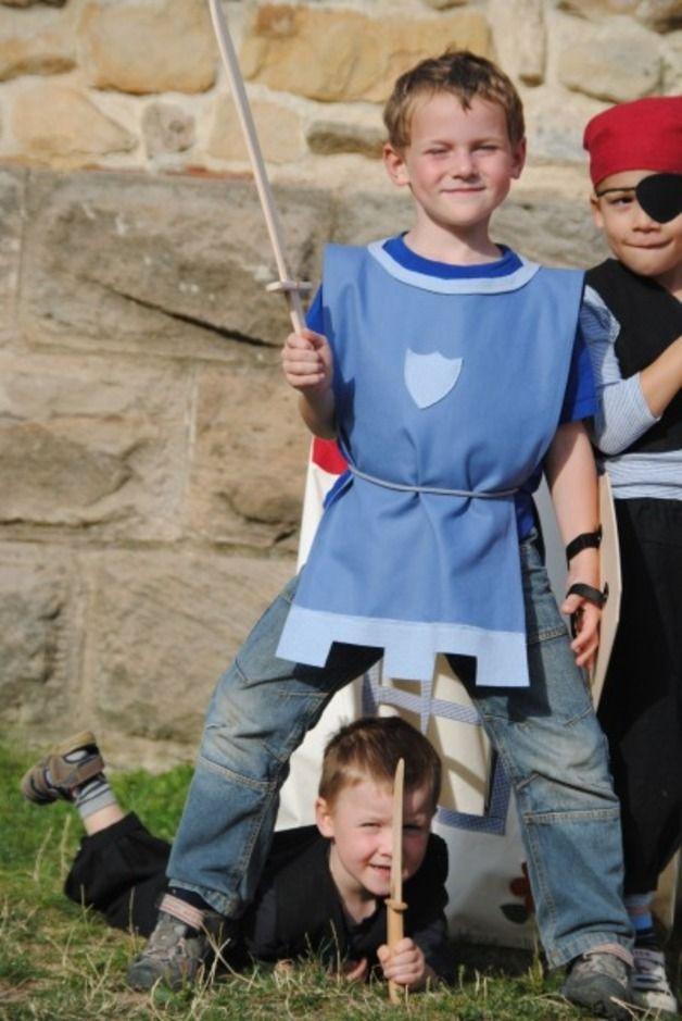 Kostüme für Kinder - Ritter-Kostüm aus Biostoffen - ein Designerstück von OKadin bei DaWanda