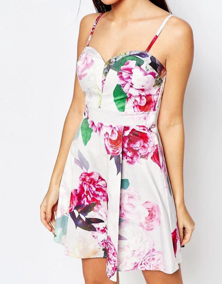4166 Изображение 3 из Платье для выпускного в стиле бандо с принтом роз Lipsy