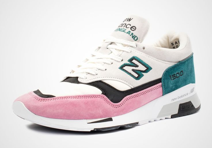 #sneakers #news  The New Balance 1500 Returns With Pink Suede Details