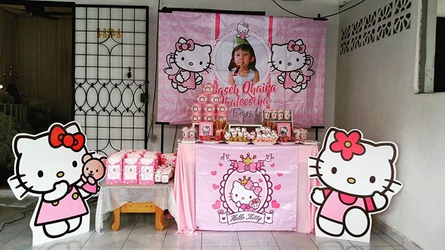 Hello kitty birthday theme for Qhaseh Qhaira Qhaleescha turn 6,soft pink and white request by cust.. #thesweetliciouscandybuffet #candybuffetkl #eventplanner #kidspartyplanner #evedeso #eventdesignsource - posted by Thesweetlicious_rose ujang https://www.instagram.com/thesweetlicious_candybuffet. See more Event Planners at http://Evedeso.com