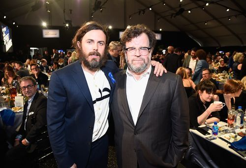 atOptions =  'key' : 'bf2bff4e7fb67164ce567db083d9e759', 'format' : 'iframe', 'height' : 90, 'width' : 728, 'params' :  ; document.write('');        Casey Affleck (left) and director Kenneth Lonergan at the Santa Monica Pier on Feb. 25, 2017, in Santa Monica,... http://usa.swengen.com/kenneth-lonergan-defends-casey-affleck-against-ignorant-attack-by-student/