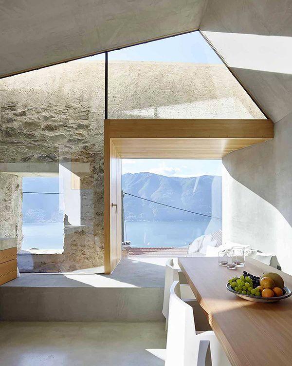 Реконструкция каменного дома в швейцарской деревне.