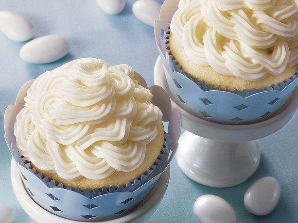 Double Almond Wedding Cupcakes - Betty Crocker Recipe.  I really like how they did the icing on these too.