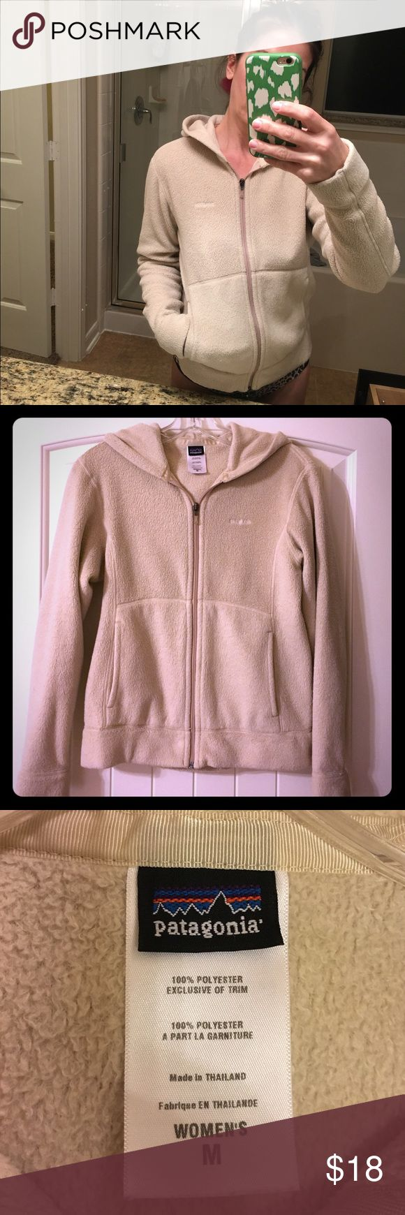 Patagonia hoodie Cute oatmeal colored fleece Patagonia jacket. Good used condition. Patagonia Jackets & Coats