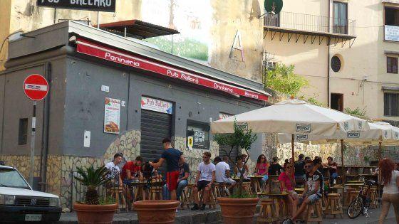 """Terzo attentato in meno di un mese. Il locale di via Nunzio Nasi è stato affidato dal tribunale alla cooperativa """"Insieme si può"""""""