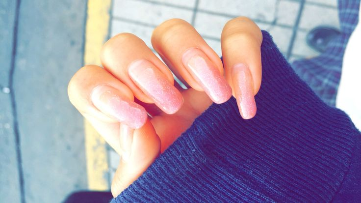 Pink nail ombre